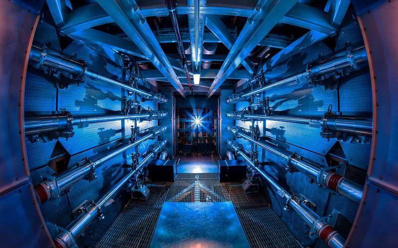 мощная дверь водной из американских лабораторий