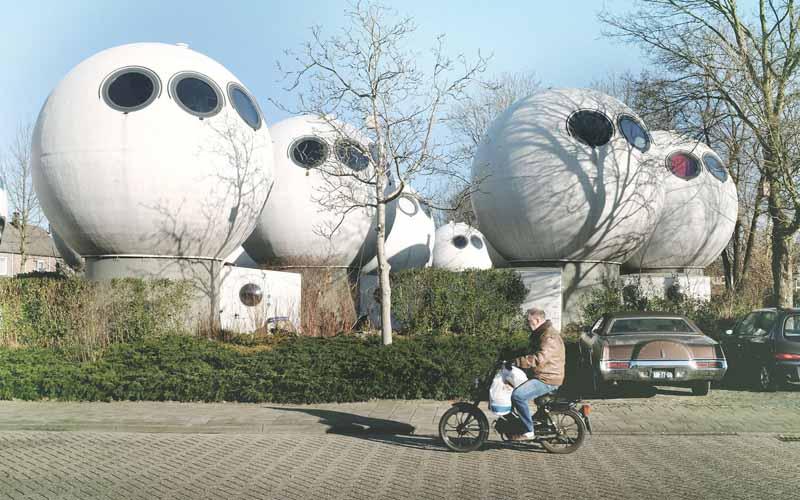 Архитектор из Голландии создал дома-шары