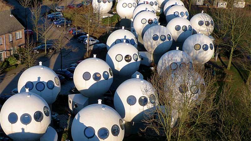 История домов-шаров