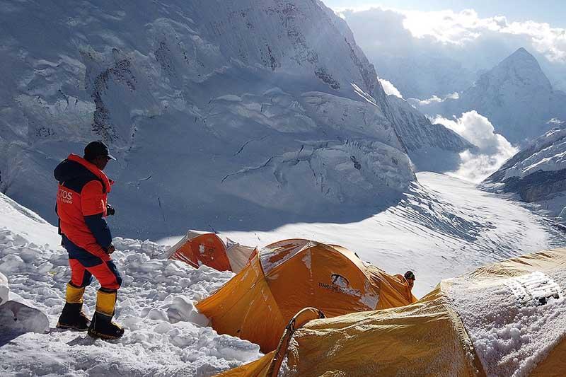 Эверест — могила альпинистов
