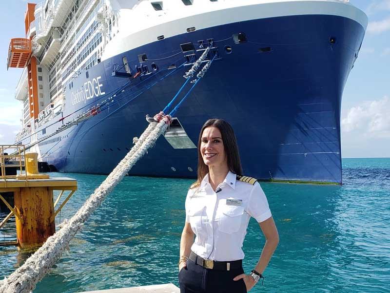 Кейт МакКейн — женщина из Америки, которая стала капитаном большого круизного лайнера