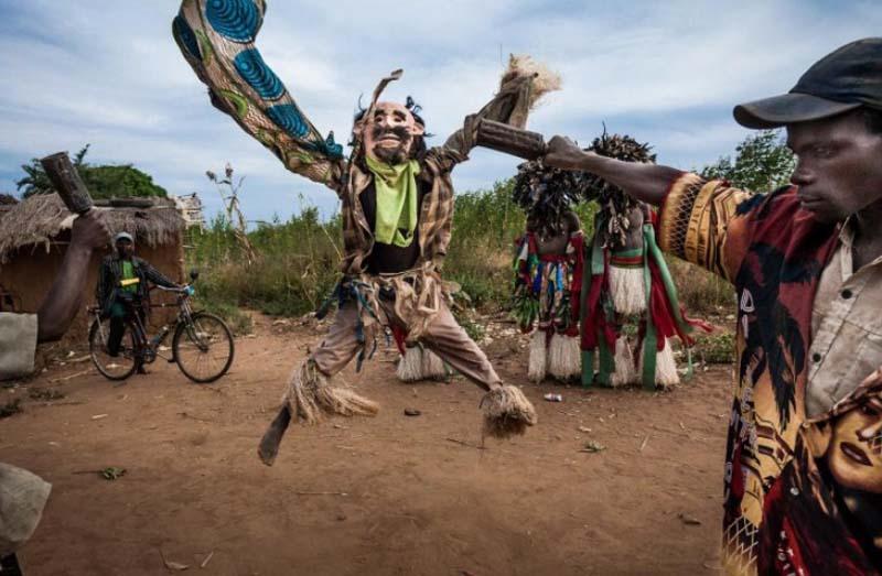 Представители народа Чева