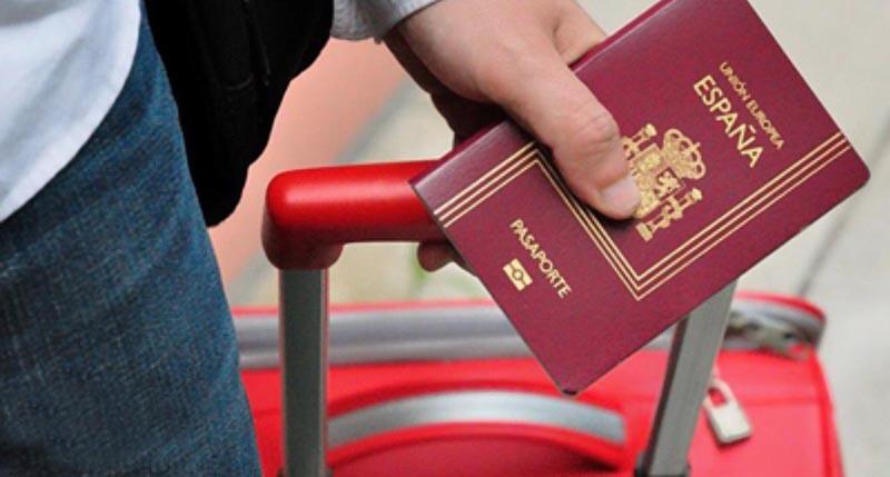 Как россияне могут стать гражданами Испании