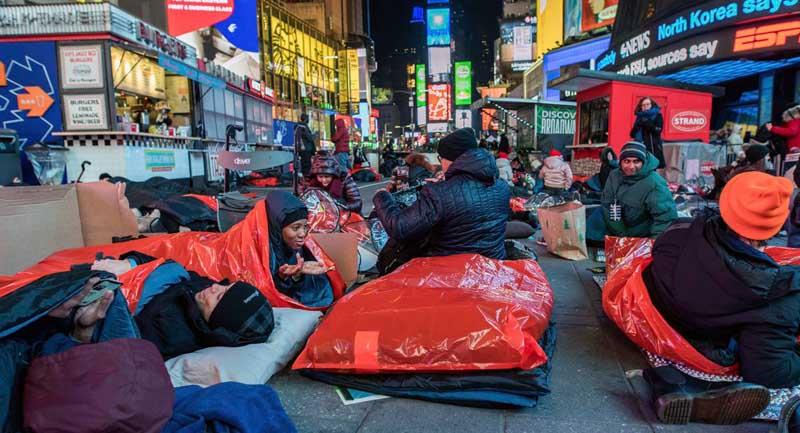 Помощь бездомных в разных уголках мира