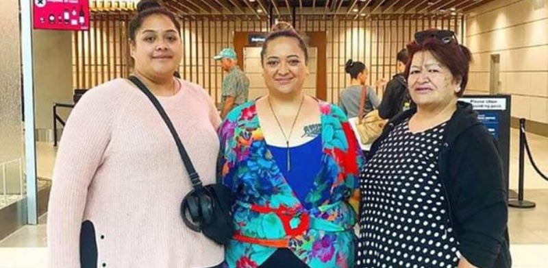 Уана Ирипа и две ее дочери Тере Ашби и Ренелл Ирипа хотели лететь на самолете бизнес-классом