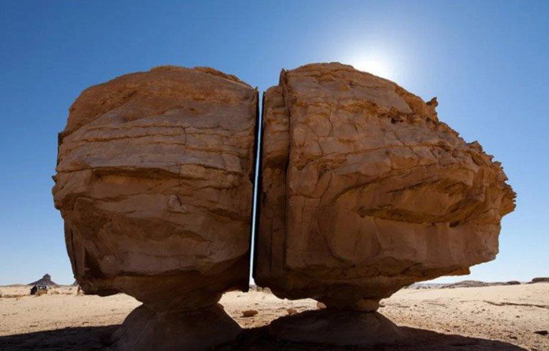 Камень Аль Наслаа: загадка природы или доказательство существования цивилизации до нашего времени