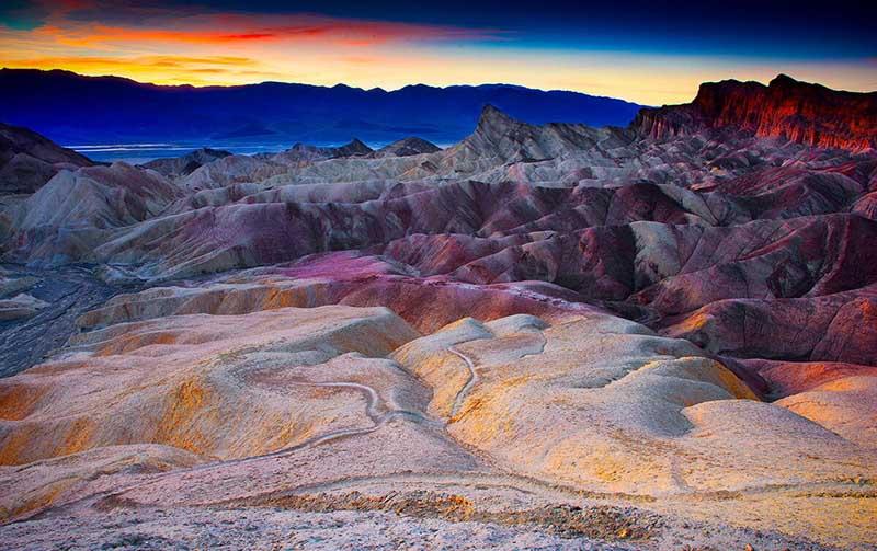Как в американских пустынях появились разноцветные озера
