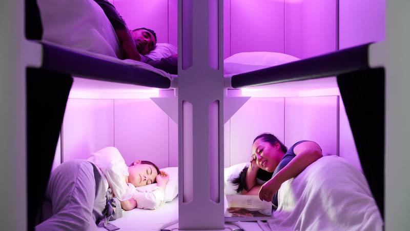 Спальное место системы Economy SkynestAir New Zealand