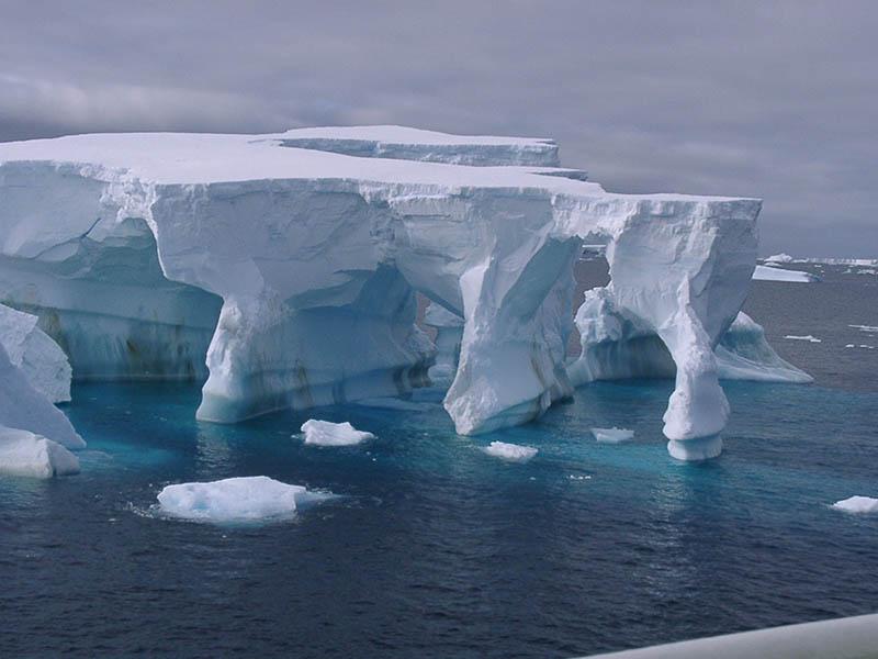 Ледники Фольхнера и Ронне