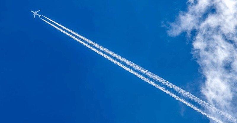Почему самолеты летают не выше и не ниже одиннадцати километров
