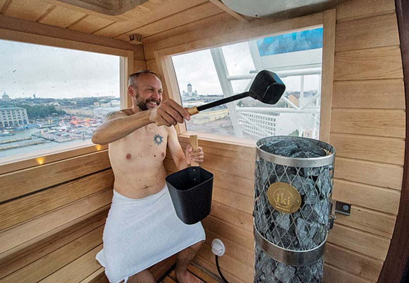 Сауна в кабинке колеса обозрения в Финляндии