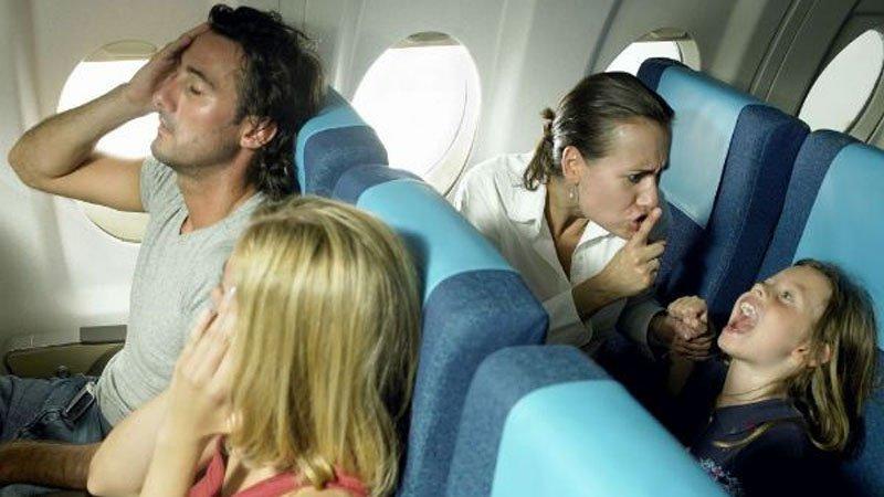 Как выбрать место в самолете подальше от мам с детьми?