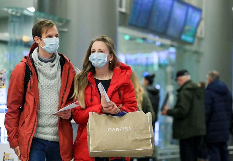 Если международное авиационное международное сообщение запрещено, то пассажир отказывается от перелета вынужденно