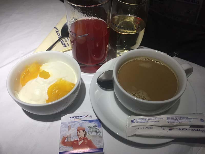 не пейте чай и кофе в самолетах