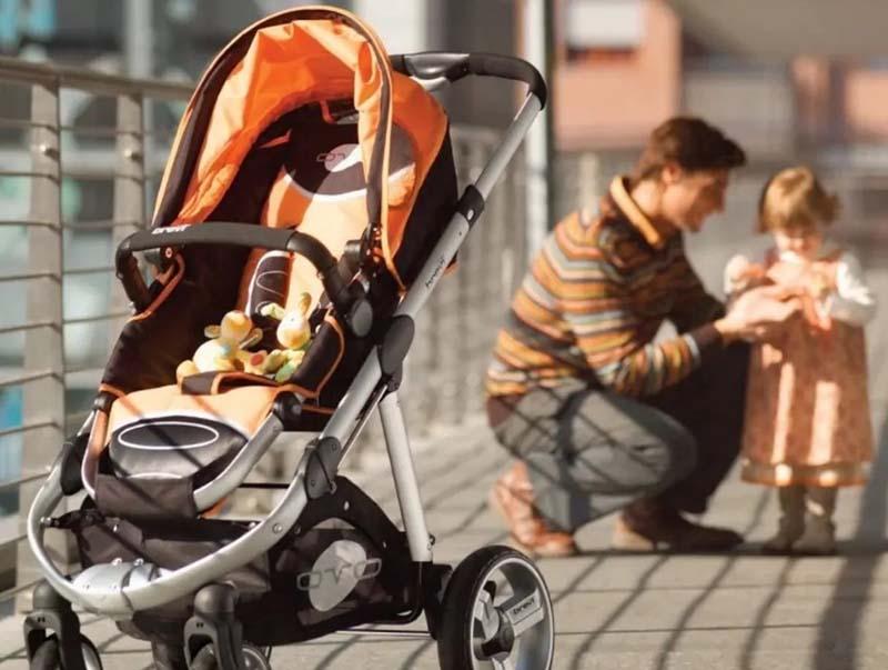 В РФ использовать декретный  отпуск могут мать, отец малыша, а также бабушки и дедушки.