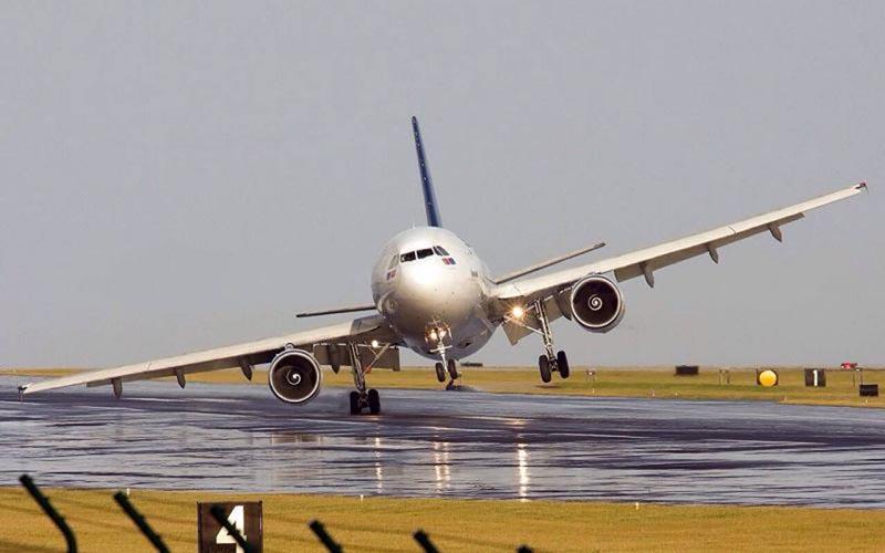 Причины жесткой посадки самолета