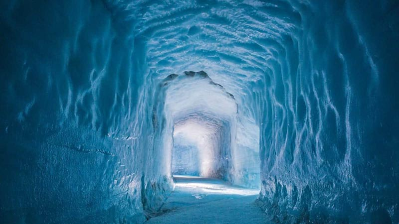 Находится новый туннель в леднике под названием Лангйокудль