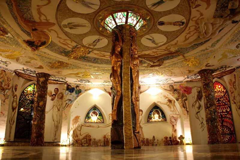 Подземный храм Даманхрун в Италии