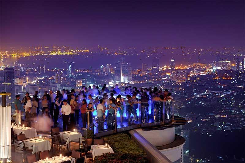 дин из самых высоких — «Mahanakhon Bangkok SkyBar» находится на 76 этаже