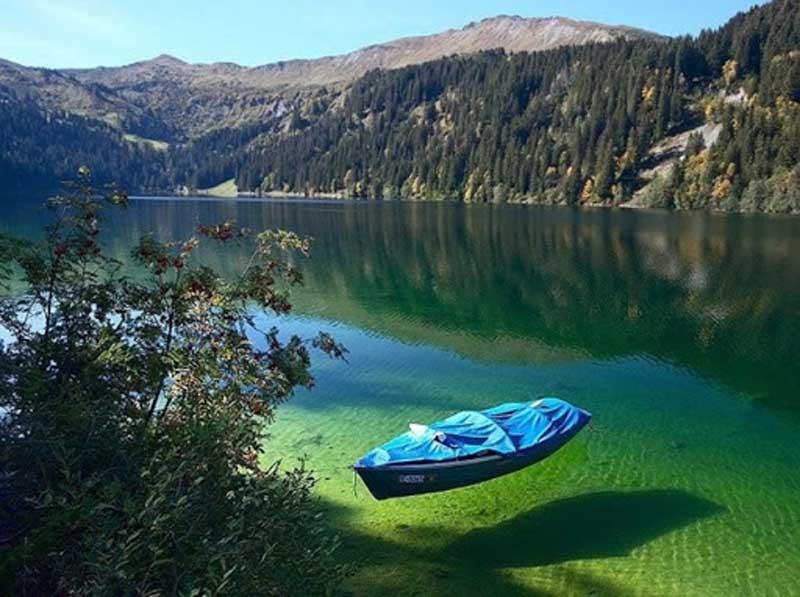 Blue Lake запрещено купаться