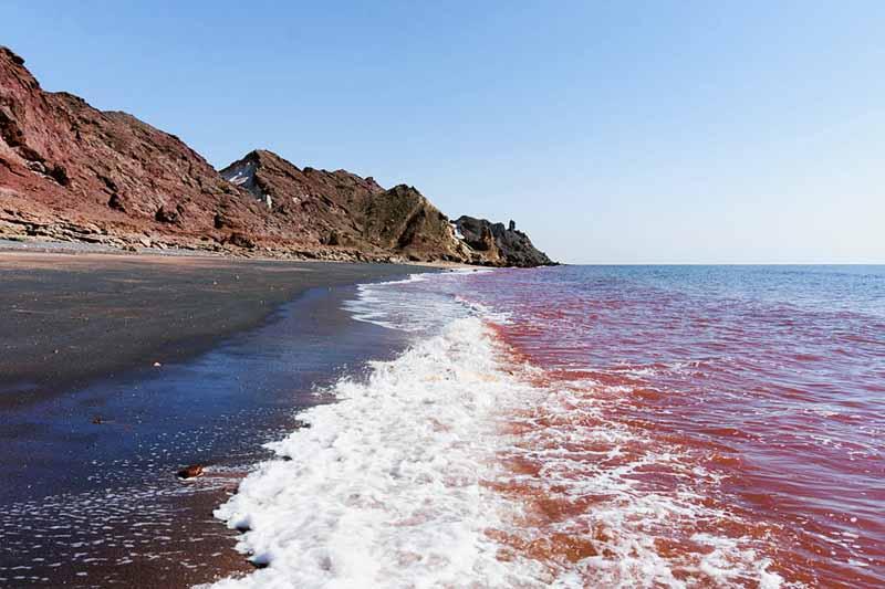 Площадь острова Ормуз составляет 42 кв. м, располагается он в 8 км от материка.