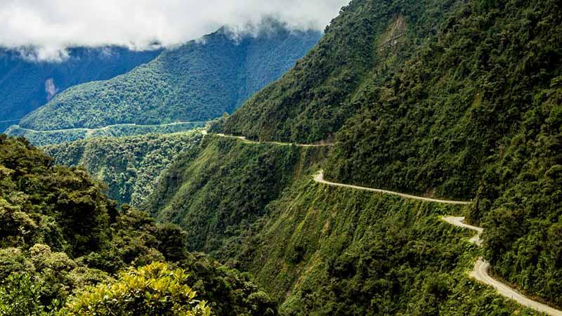 Почему Дорога Смерти в Боливии признана одной из самых опасных