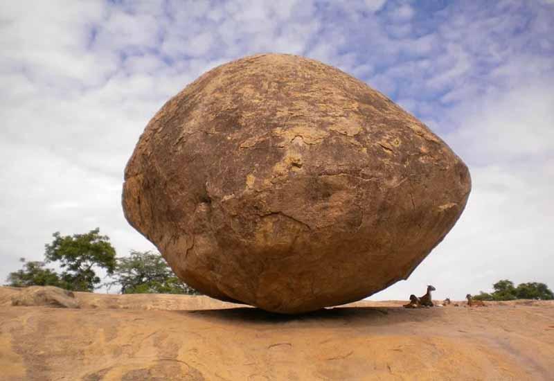 «Масляный шар Кришны» — гигантский камень, который не поддается попыткам к перемещению