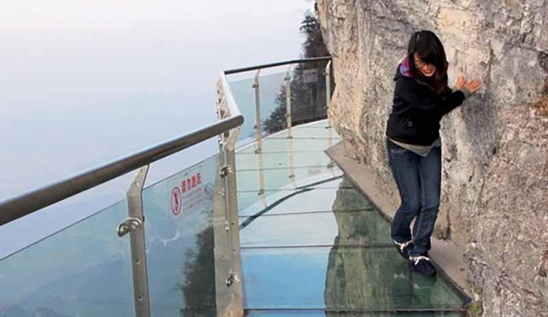 Новый прозрачный мост в Китае не для слабонервных