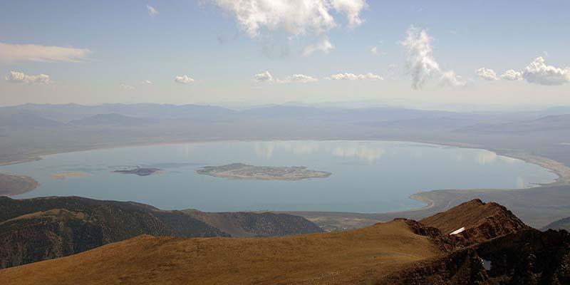 Особенности озера Моно