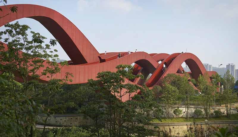 Извилистый мост Lucky Knot в Китае