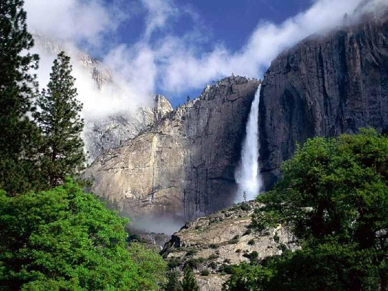 Простой водопад с обычной водой