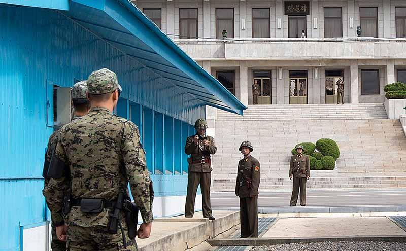 Северная Корея не выпускает своих граждан за ее пределы