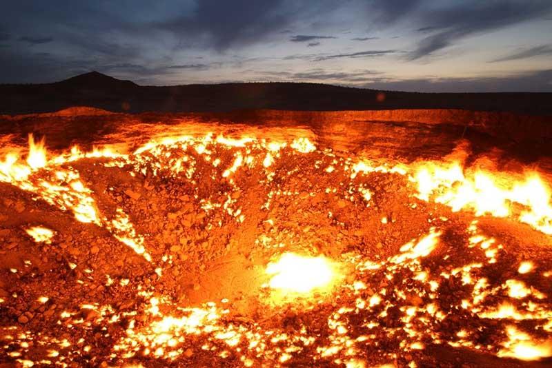 Что представляет из себя газовый кратер Дарваза