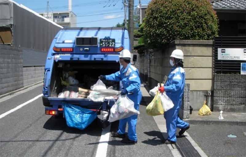 Записки со словами благодарности для мусорщиков в Китае