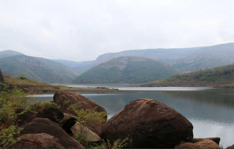 Загадочное озеро Фундудзи, воды которого нельзя унести с собой и обитающие в нем монстры