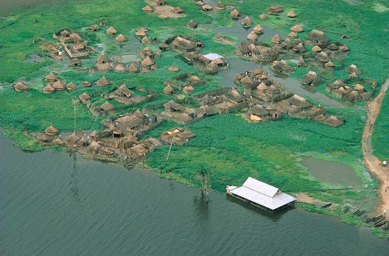 Гигантское болото называется Судд, располагается в центре Южного Судана в долине Белого Нила