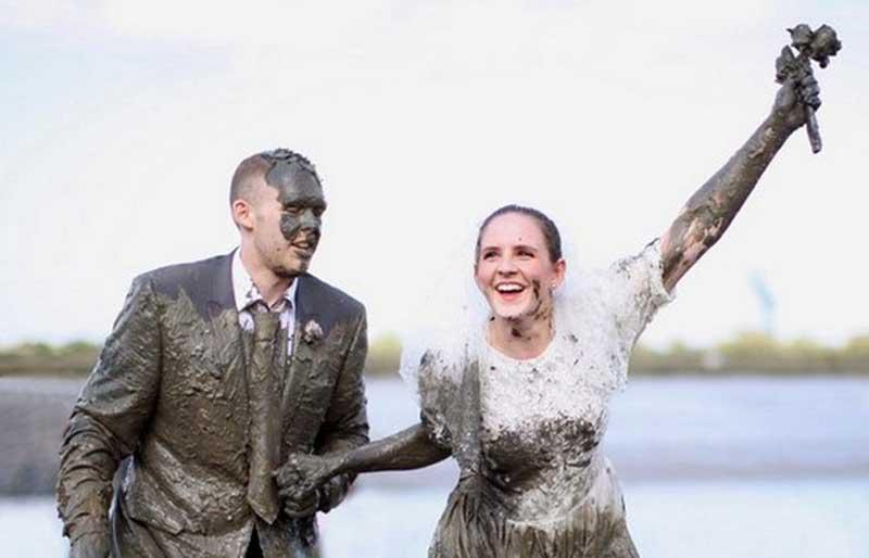 Ритуал очернения для жениха и невесты в Шотландии