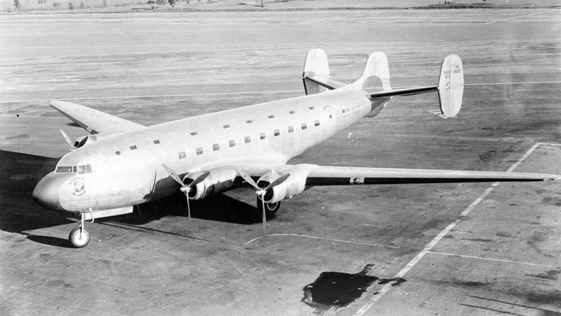 После его приземления, сбежавшиеся к полосе рабочие поняли, что на их полосе находится пропавший 37 лет назад самолет.