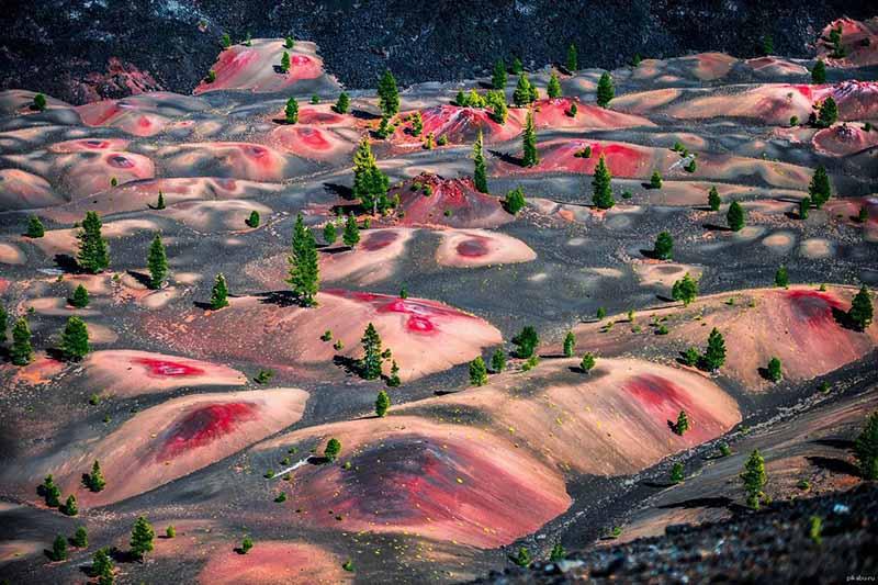 Необычайно красивые разноцветные дюны в национальном парке Америки