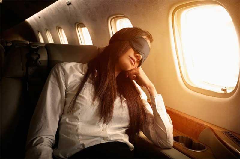 Причины, почему нельзя спать во время взлета и приземления самолета
