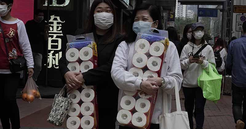 связано и чем же мусульмане ее заменяют?    По какой причине азиаты не пользуются туалетной бумагой?