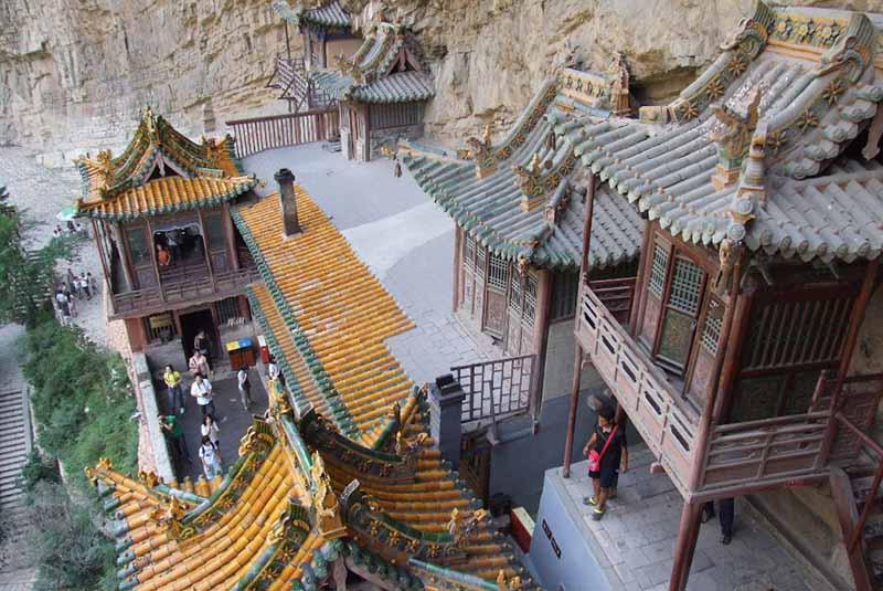 Монастырь основан в 491 году при правлении династии Северная Вэй