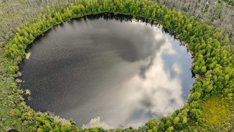 Бездонное озеро в Подмосковье, глубина которого неизвестна до сих пор