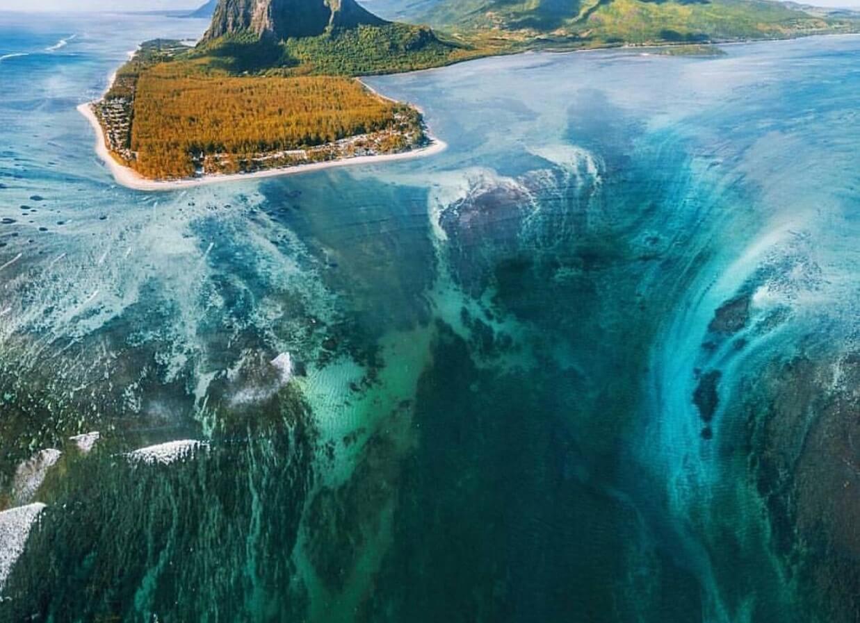 азгадка необычайно красивого водопада Ле-Морн-Брабан