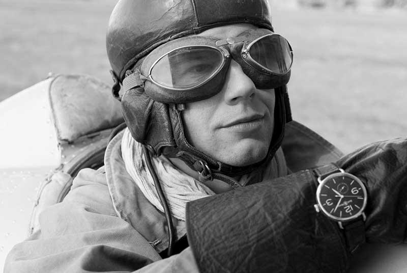 Почему советские летчики носили на шее шелковые шарфы?
