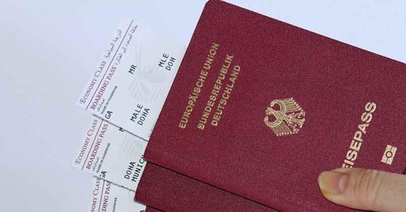 Первое место по распространенности занимает паспорт с обложкой в красном цвете