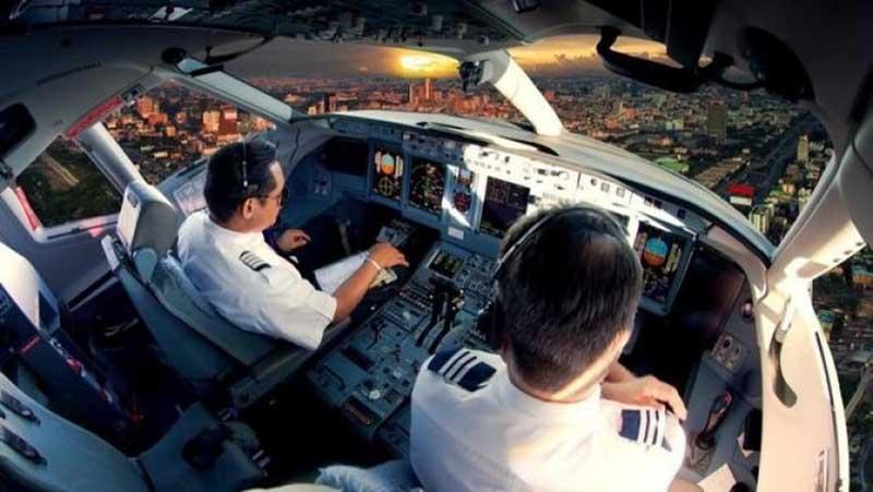 Строгие и весьма специфичные требования к членам экипажа самолетов