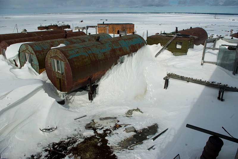 Как люди живут на Севере в железных цистернах?