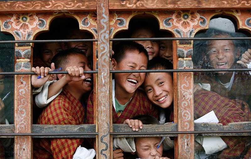 качество жизни в Королевстве Бутан измеряется не валовым внутренним продуктом, а «валовым национальным счастьем»