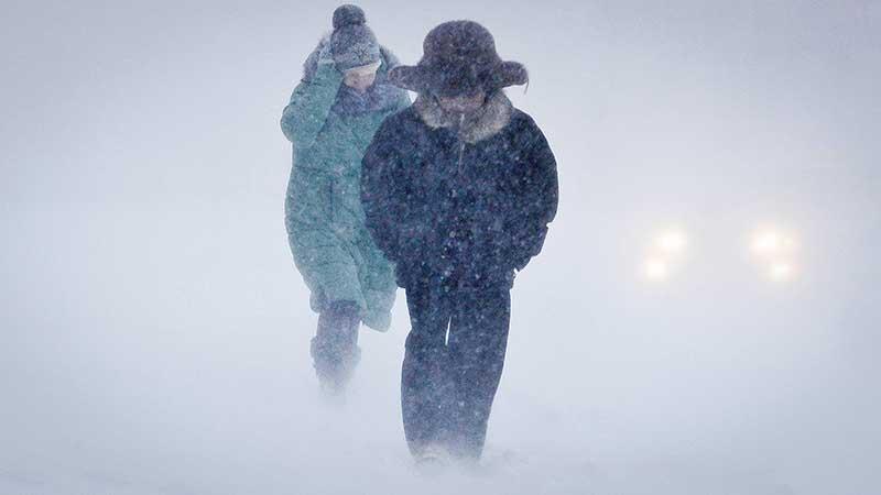 Жители города Певек испытывают на себе все «прелести» продолжительного и очень опасного ветра «Южак».